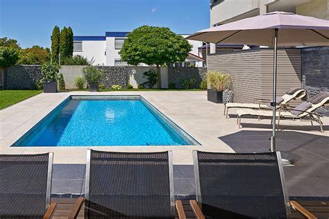 terrasse mit pool schwimmbadbau in luxembourg und trier pools schwimmbad
