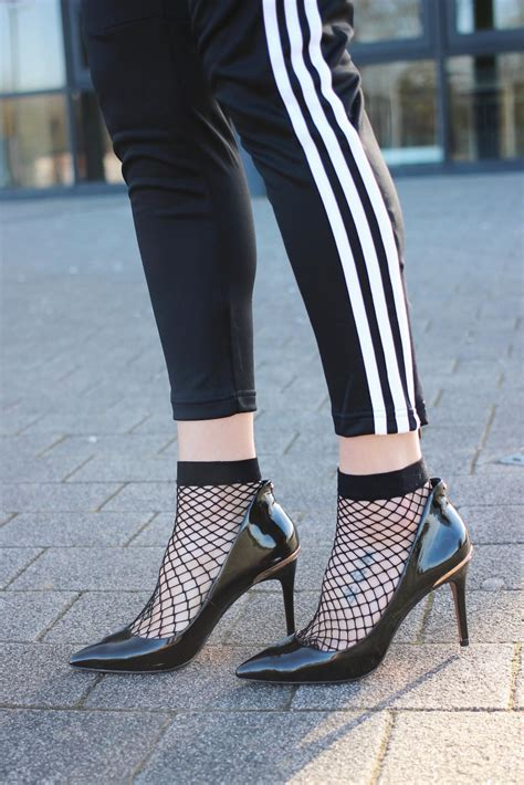 Style Socks styling fishnet socks for uk fashion