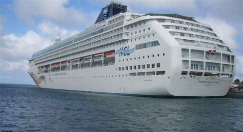 norwegian cruise open bar 3 and 4 nights bahama cruises with open bar on norwegian
