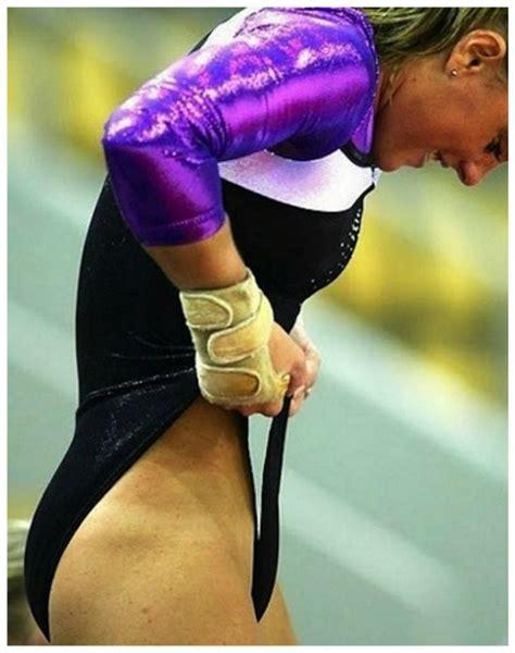 Athlete Wardrobe Malfunction by 18 Jaw Dropping Athlete Wardrobe Page 11 Of