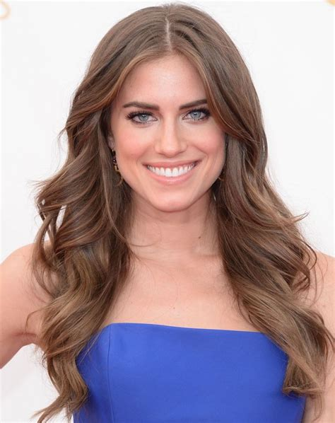 8 Adorable Williams Carpet Looks by Allison Williams On Why She Cut Hair How She Keeps