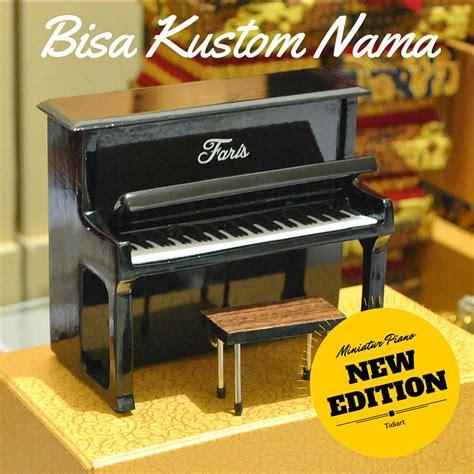 Kursi Piano Wallnut Brown Coklat miniatur piano upright tidiart