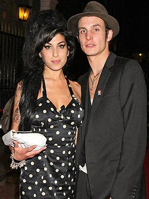 Winehouse Engaged by Winehouse S Ex Husband Fielder Civil Is In A
