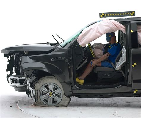 2018 ford f 150 crash test 2018 ford f 150 receives top safety award 2018 ford