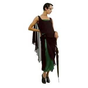 Stylish 1920s evening dress only thing missing from this vampish dress