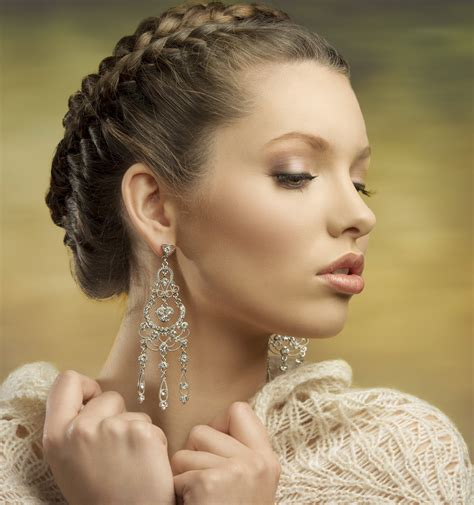 Updo Hairstyles For Fat Faces Braided Twist Updo For Oval