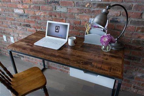 Reclaimed Steel And Pallet Desk With Drawer Pallet Diy Pallet Desk