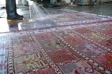 lava tappeti lavaggio tappeti udine persiano lava tappeti udine