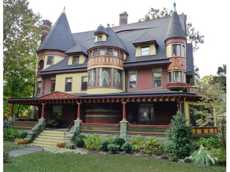 queen anne victorian mansion featured