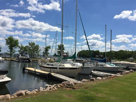 boat slips for rent mn terry s boat harbor launch service fish house rental