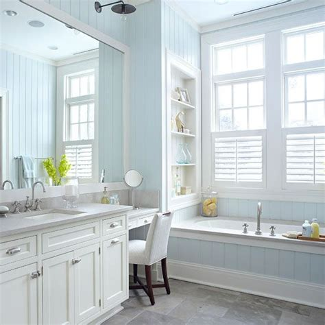 Cottage Style Bathroom Lighting by 25 Best Images About Cottage Style Bathrooms On