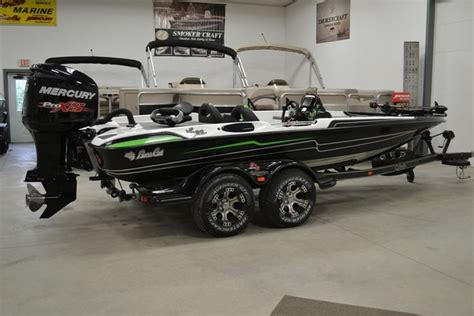 phoenix boats vs bass cat 2014 bass cat eyra advantage sp for sale in wabash in