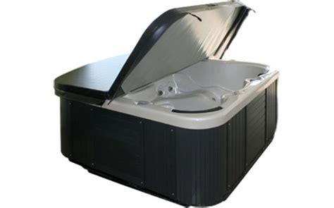 pulizia vasca idromassaggio manutenzione vasche idromassaggio come renderle a prova d