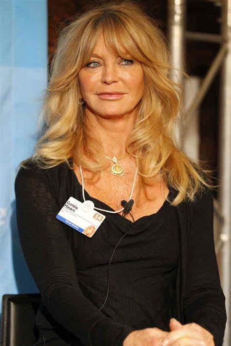 Goldie Hawn Hairstyles by Hairstyles Goldie Hawn Curled Hairstyle With Bangs