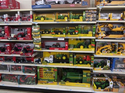 tractor supply shop john deere farm toys in tractor supply farm