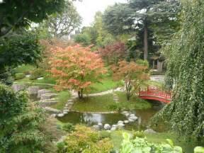 fichier p1060639 jardin japonais moderne tres colore jpg