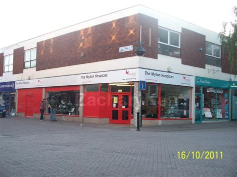 wallpaper shop abbey green nuneaton the myton hospice nuneaton charity shop