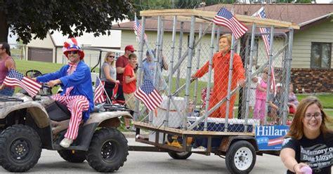 Iowa Parade Float Depicts Hillary Clinton Behind Bars Indiana Parade Depicts Executing Clinton