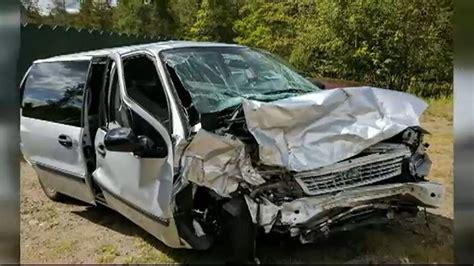 car crashes new york family searches for samaritan after on crash abc7ny