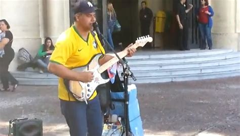 who sings sultans of swing brazil street musician just kills it with sultans of