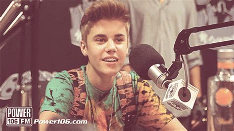 justin bieber interview gif justin bieber smile gif find share on giphy