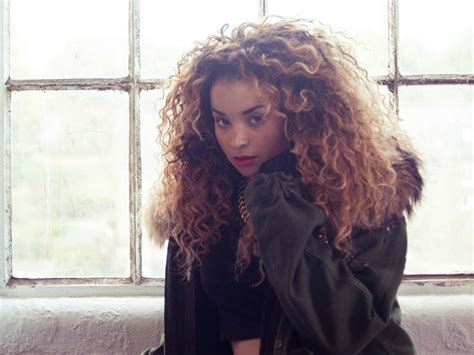 new female artists 2014 rosie lowe fka twigs and more 11 female artists who will