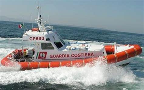 capitaneria di porto oristano quattro kitesurfer in difficolt 224 a san soccorsi