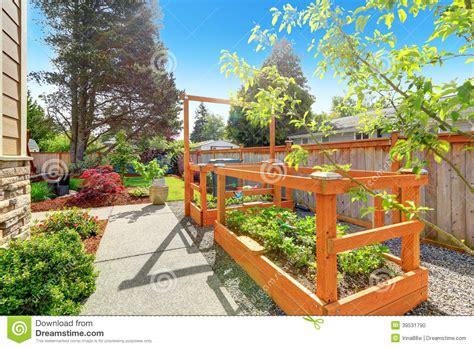 Small Garden Trellis Backyard Garden Bed With Trellis Stock Photo Image 39531790