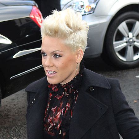 singer hairstyles singer pink hairstyles celebrity trend short hair the
