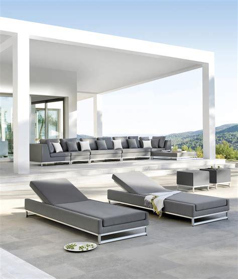 zendo layout zendo lounger sun loungers by manutti architonic