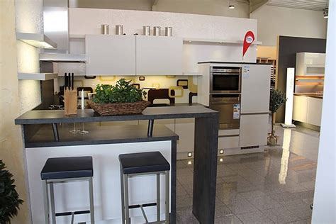 modernes küchen layout k 252 che tresen holz