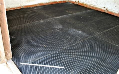 Stable Matting by How To Lay Rubber Matting In A Stable Tips Pictures