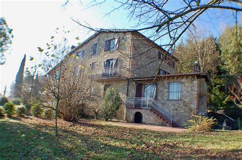 vendita casa perugia rustici e casali in vendita a perugia cambiocasa it