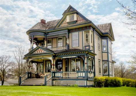 design house furniture victoria a colorful queen anne victorian for sale in iowa hooked