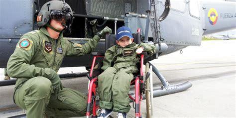 uniforme fuerza aerea colombiana el sue 241 o cumplido de miguelito el ni 241 o con piel de
