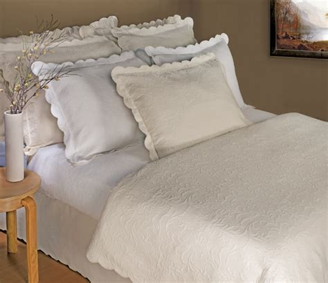 scalloped coverlet timeless ecru scroll design w scalloped edge matelasse