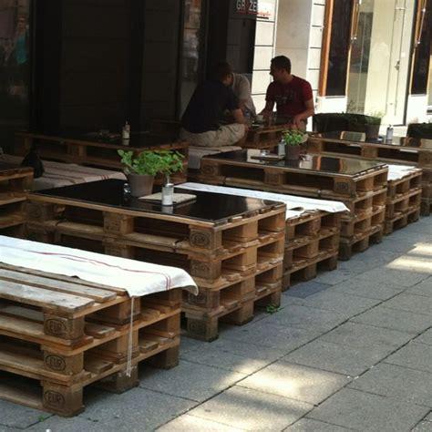 Pallet Furniture Store Mumbai by 25 Best Ideas About Outdoor Cafe On