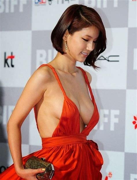 film hot orang korea busan film festival eye popping distraction actress oh in