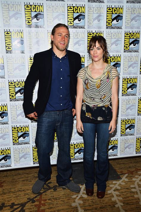 charlie hunnam and maggie siff relationship charlie hunnam and maggie siff photos photos quot sons of