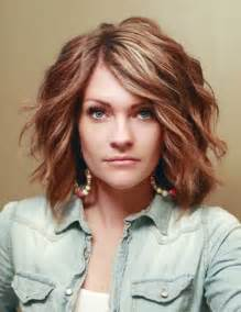 do layers look in thick slightly wavy hair 10 new short thick wavy hairstyles short hairstyles 2016