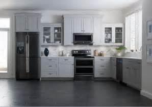 Black Kitchen Cabinets With Stainless Steel Appliances by Samsung Brings Black Stainless Steel Finish To Kitchen