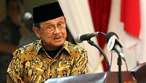 bj habibie indonesia former president bj habibie calls for end to