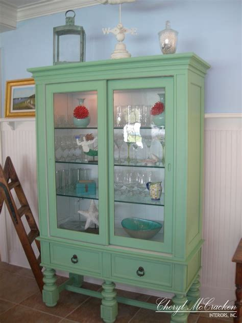 rooms to go curio cabinets 1000 images about my curio to be painted on pinterest