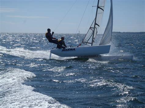 Raid et weekend à la voile en catamaran de sport à Carnac dans le Morbihan