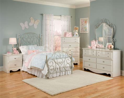 ashley furniture teenage bedroom ashley furniture kids bedroom sets8 house pinterest kid