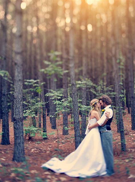 enchanting wedding photo ideas  woodland brides