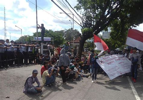 detik yogyakarta students reject new yogyakarta airport condemn forced