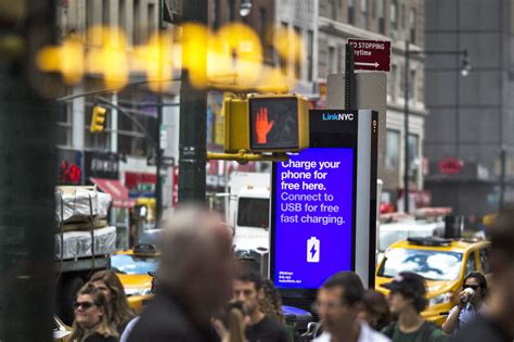 new york real time new york city s wifi kiosks now offer real time