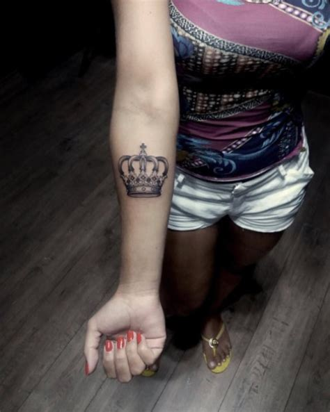 picture of crown tattoo