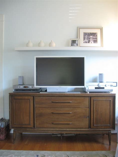 Bookcase With Tv Shelf by Shelf Above Tv House And Home